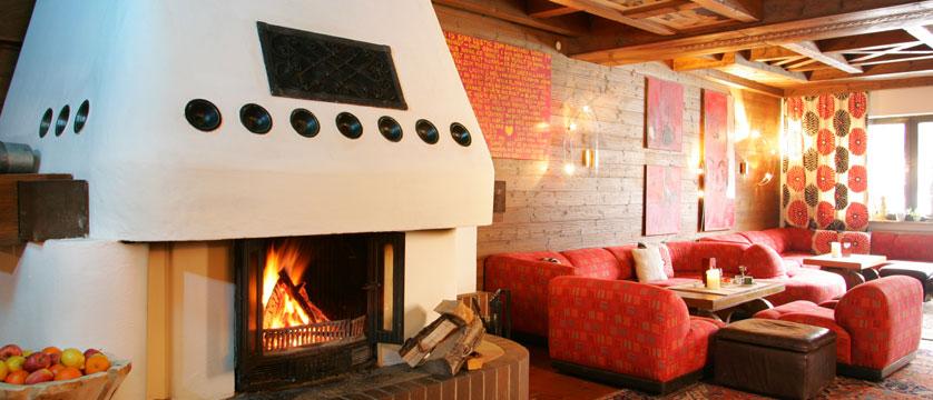 Hotel Glemmtalerhof, Hinterglemm, Austria - Lounge with fireplace.jpg